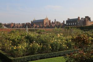 Hampton Court Gardens - rest after lunch!